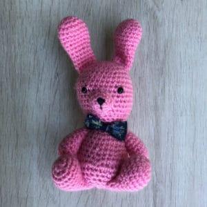 doudou-peluche-tricot-coton-Roger-lapin-1